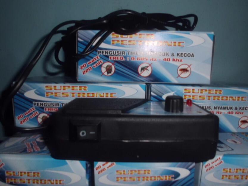 Super Pestronik Pengusir Tikus Hebat