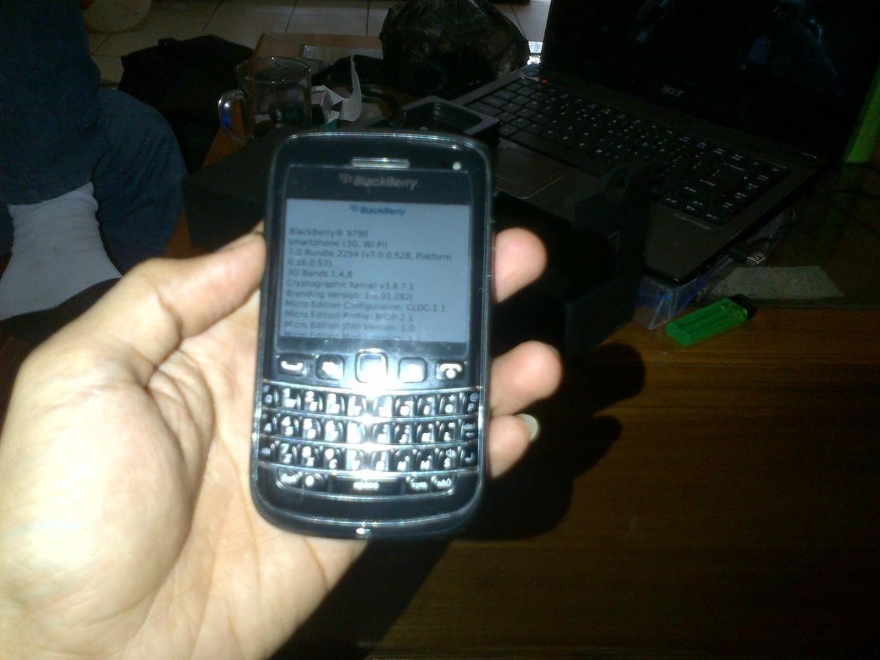 Blackberry 9790 Onyx 3 Belagio