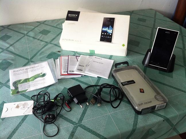 Sony Xperia Acro S Lt26w Putih Mulus Grs Februari 2014 + bonus Malang Kota
