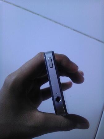 Jual cepat iphone 4 8gb CDMA Hitam good condition jb