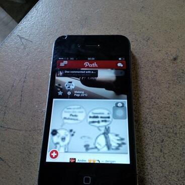 iphone 4 16gb fu Malang pasti murah.. cek dulu