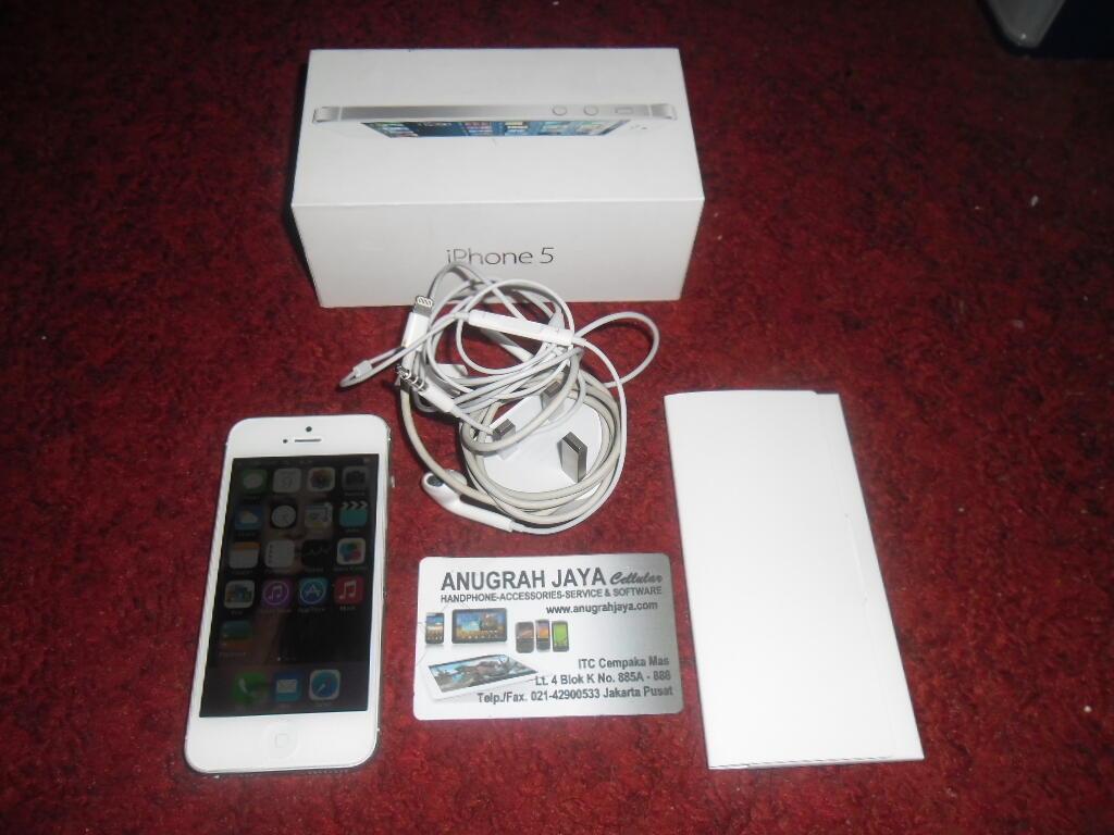 iPhone 5 16gb FU White Second Mulus 98%, Lengkap, Garansi s/d 24 Desember 2013