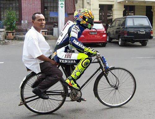 tukang ojek sepeda masa kini