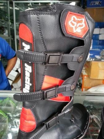 Terjual sepatu touring   crooss  488a83db1d