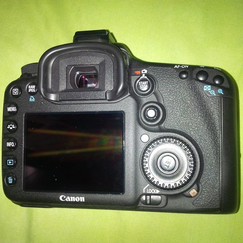 CANON 7d BODY (Like New)