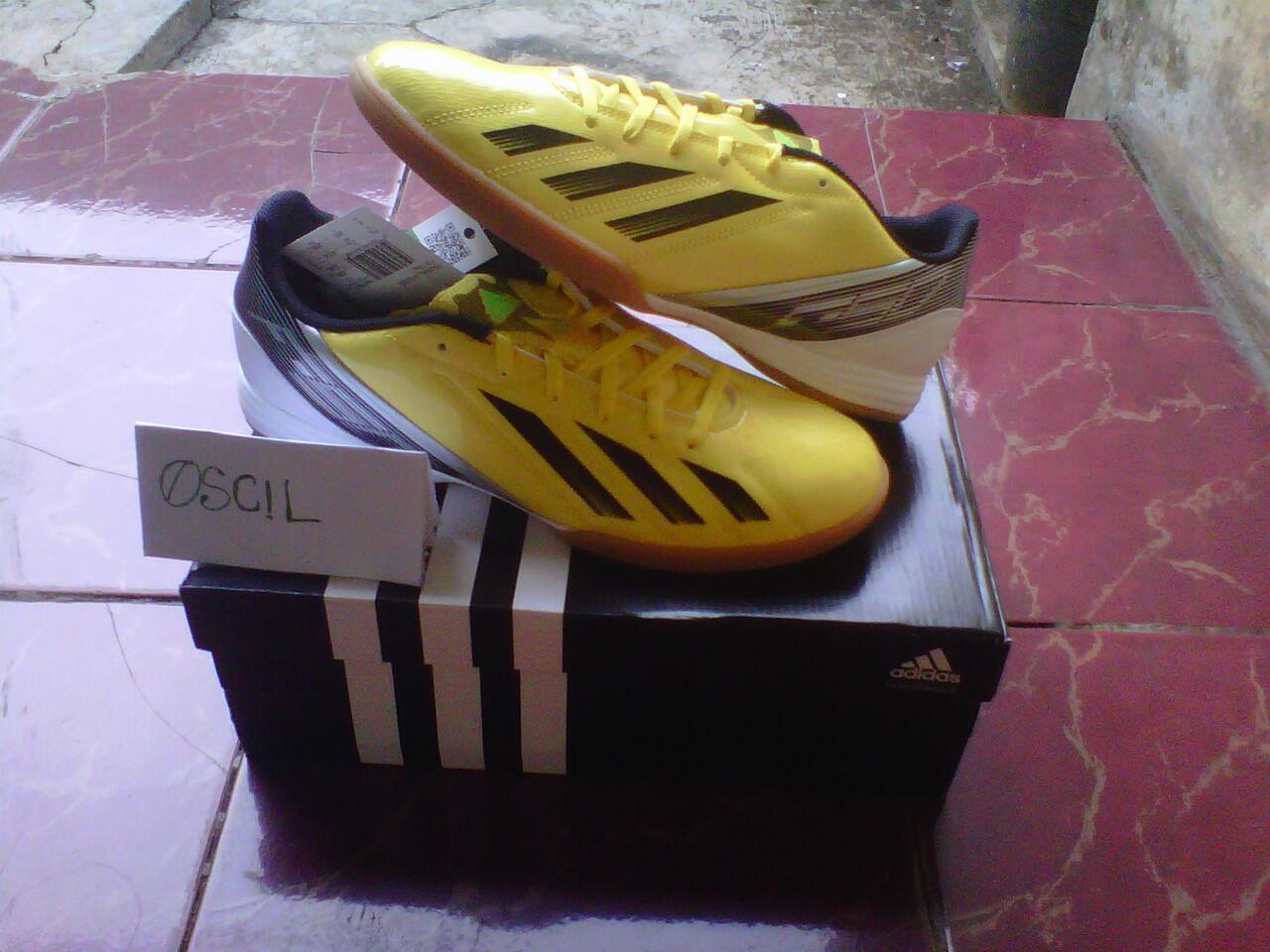 sepatu original super murah!!!!adidas futsal F10 messi yellow