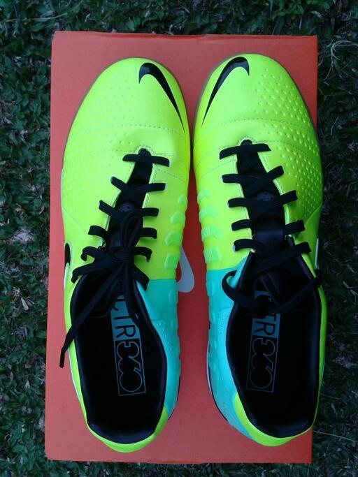Jual sepatu futsal Nike CTR360 libretto III IC Volt/black green-glow Original