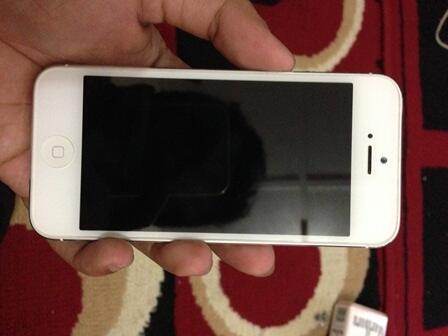 iPhone 5 64GB White Fulset Mulus Murah JOGJA