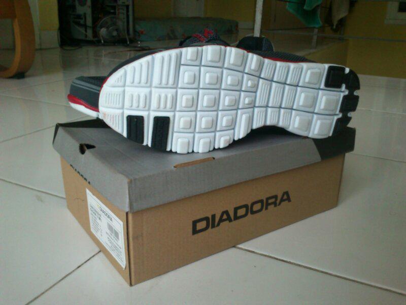 Sepatu Diadora Running Original Bintaro - BSD