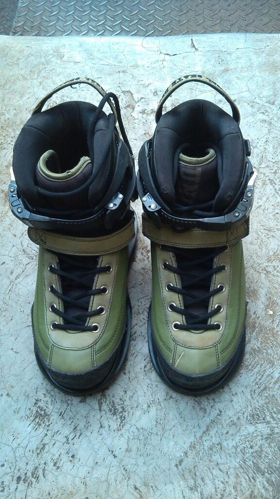 J>USD carbon 2 olive Aggressive Inline Skate