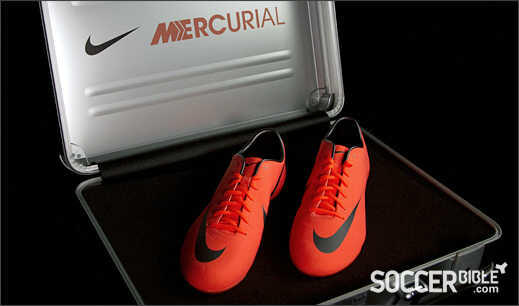Dicari Nike Mercurial Victory III IC / TF Mango size 42/42,5/43 (Kondisi New /Second)