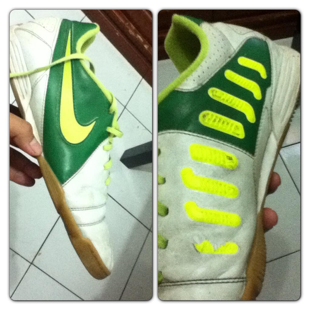 sepatu futsal nike CTR360 enganche. green / hijau - putih / white. ori murah.