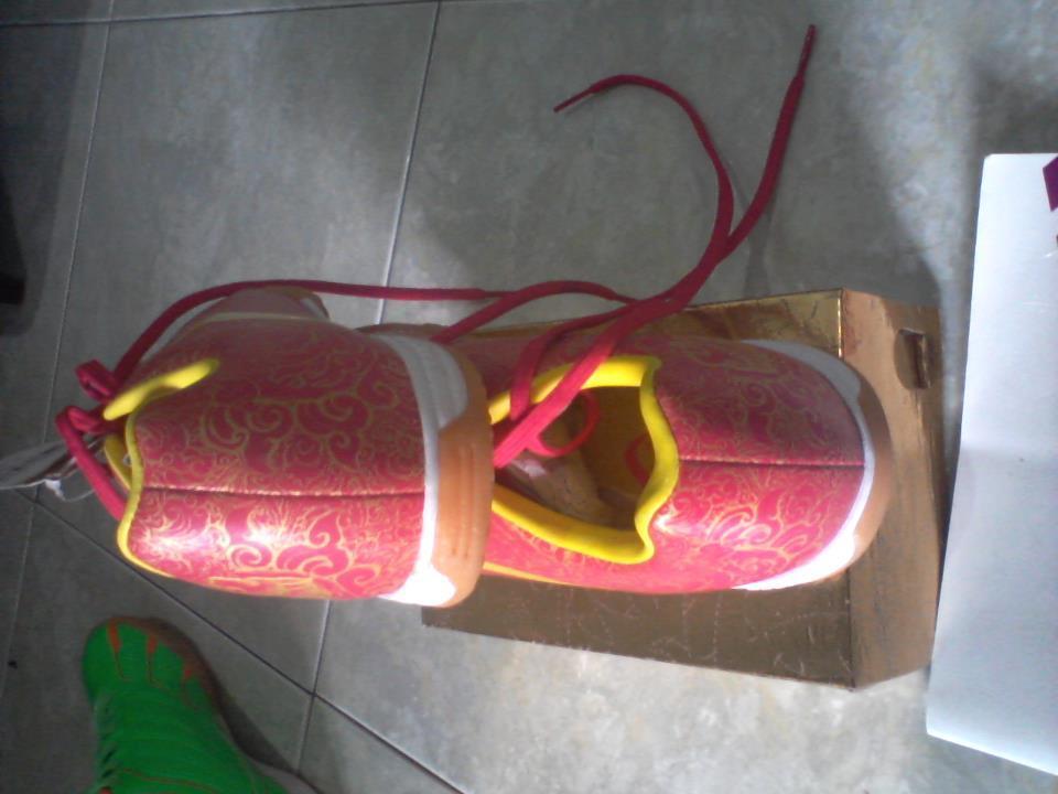 sepatu futsal specs accelerator priangan size 42 bisa tt ma yg size 43