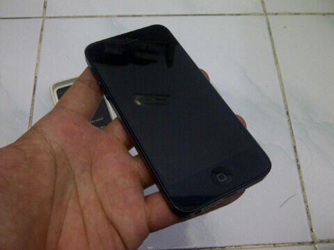 Apple iPhone 5 Black 64GB non Box