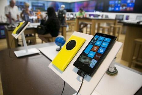 Serba-serbi Layar Ponsel, dari LCD Sampai Amoled