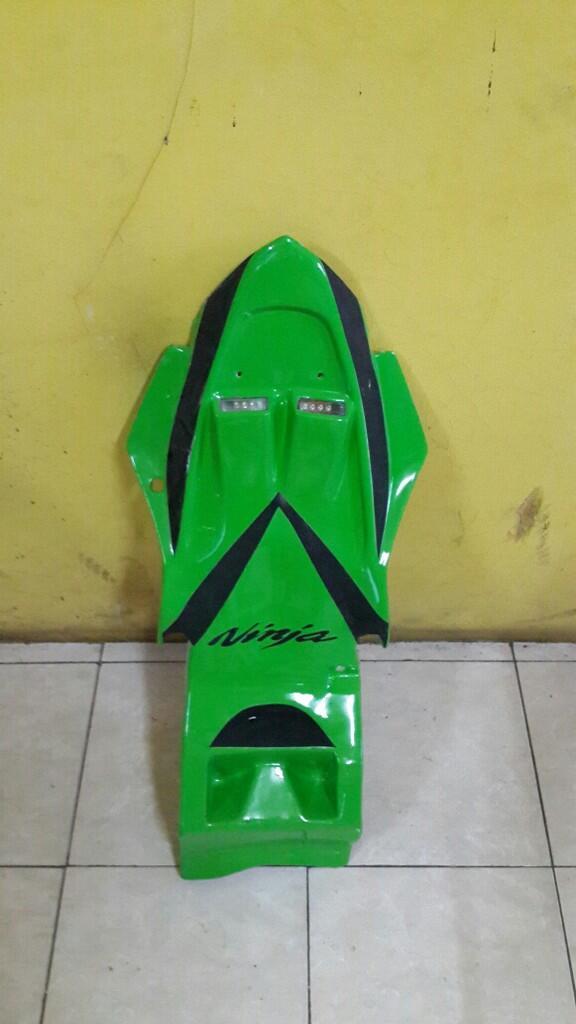fs: undertail with sein ninja 250fi hijau se.baru baru,ga jadi pakai...mulus batangan