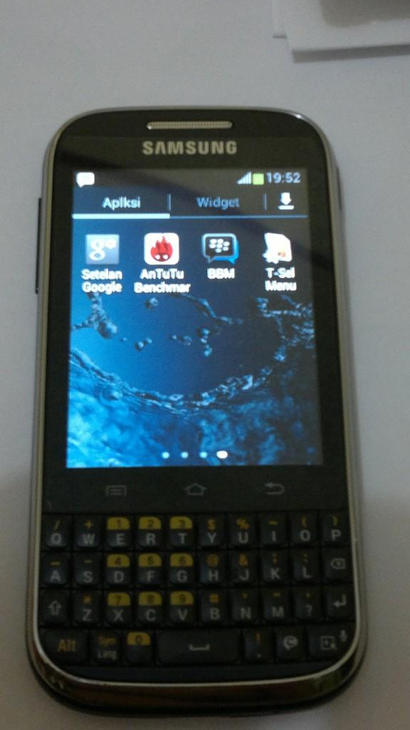 Jual Galaxy Chat GT-B5330 (hitam)