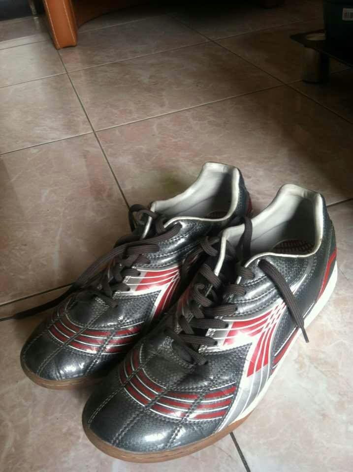 Sepatu Futsal Diadora 44 Malang