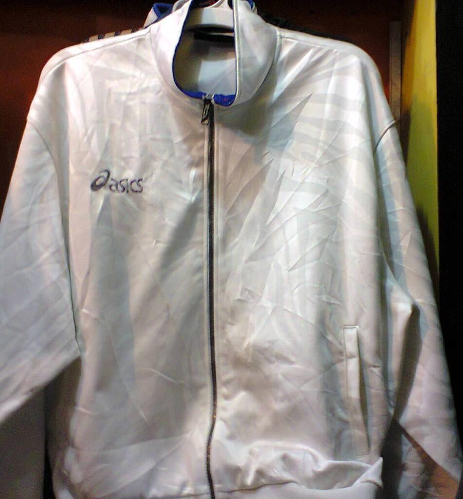 Jaket asics putih original murah !!!!!!!