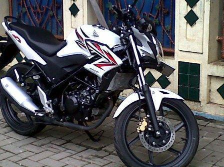 CB 150r th2013 Putih Merah