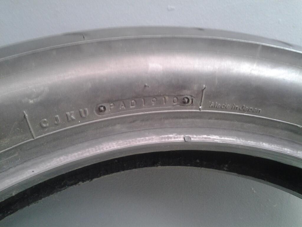 J>Bridgestone Battlax bt39ss 90/80 dan 120/80 ring 17