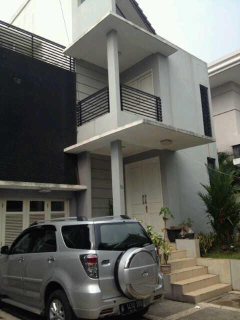 FOR SALE : Rumah mewah siap huni di Ampera Jaksel