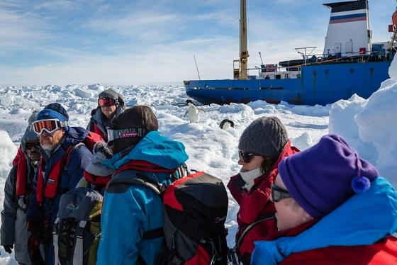 Deadly Beauty: Foto2 Operasi Penyelamatan Kapal Peneliti Yg Terjebak di Antartika