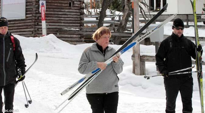 Insiden Main Ski, Kanselir Jerman Retak Tulang Panggul