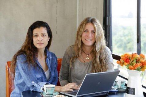 Bus Butut Disulap Jadi Rumah Rewah Oleh 2 Wanita Ini