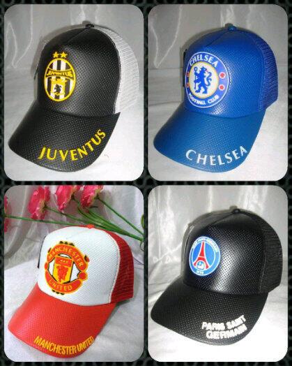 Supplier Dompet, Tas, Jaket, Topi, Sepatu futsal dsb dengan logo klub bola favoritmu