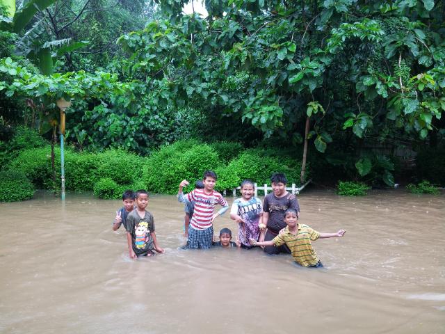 Rumah ane kebanjiran gan :berdukas (+Pict)
