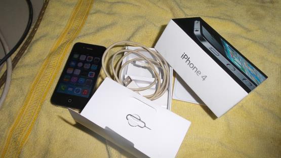 Iphone 4 Black FU 16gb fullset cod bogor only harga 3,1jt nett