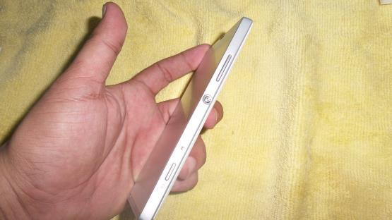 Sony Experia SP white batang Carger Original Cod bogor only harga 2,6jt nettt