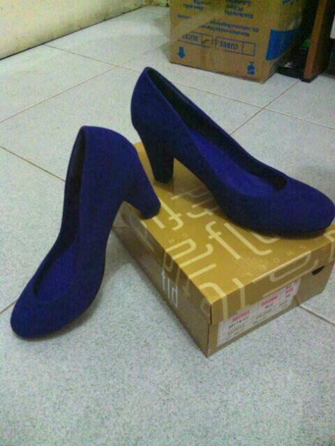 Terjual Sepatu Wanita Fladeo  88d32d893a