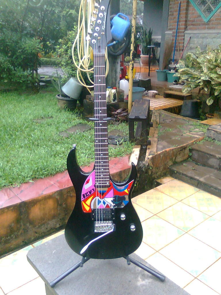 terjual jual paketan gitar elektrik rockwell rg01 efek zoom g2 1u ampli cort mx15r kaskus. Black Bedroom Furniture Sets. Home Design Ideas