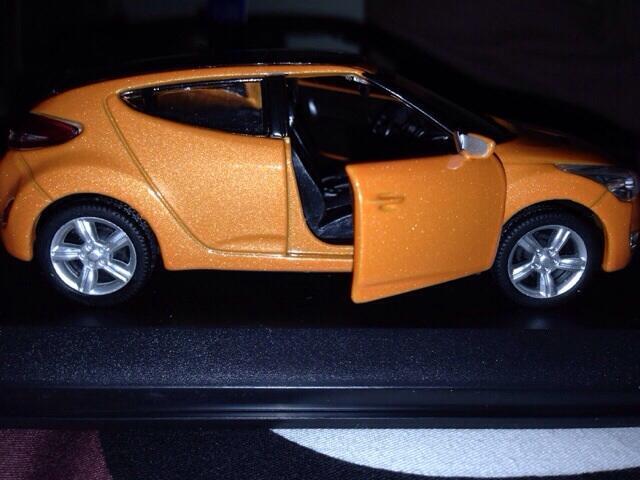Replika Hyundai VELOZER 1:38 scale