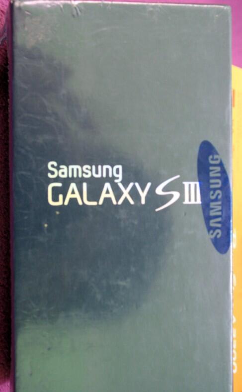 """JUAL Samsung galaxy s3,ipad mini wifi 16gb white,macbook 11"""",kamera pocket,vacuum"""