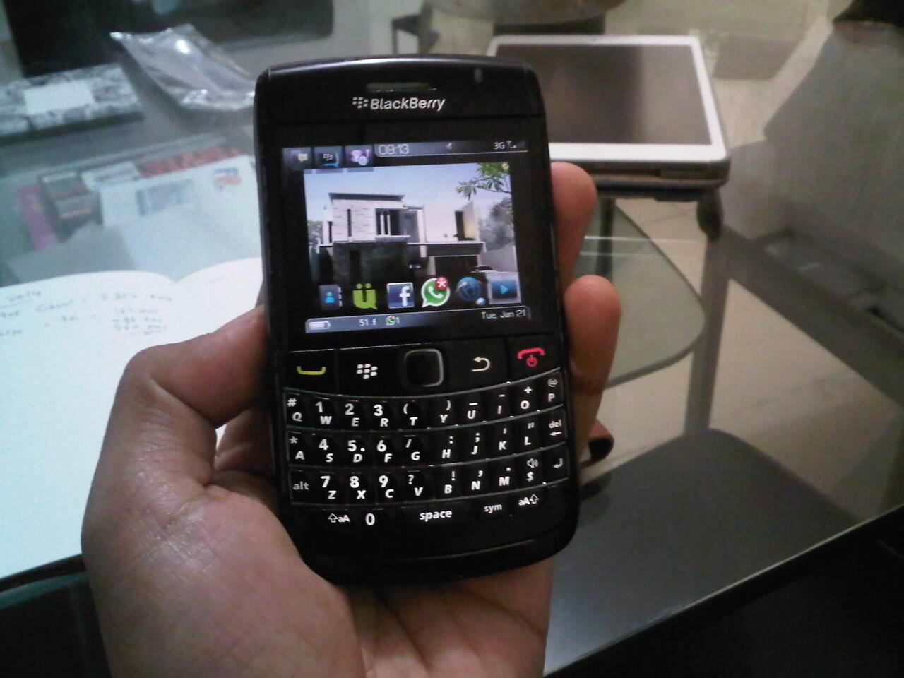 Jual santai Blackberry 9700 (onyx 1) mulus, lancar, dijamin, garansi personal