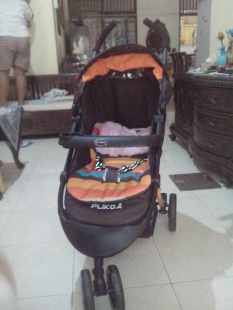 Stroller Baby merk Pliko