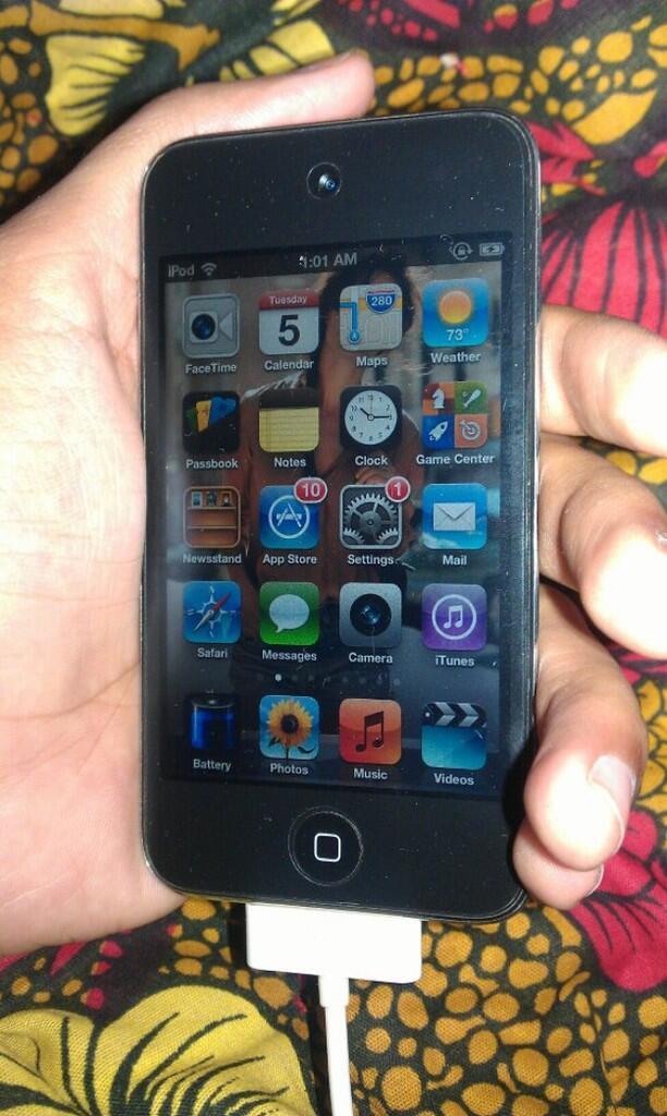 Ipod Touch gen 4 32gb Istimewa 98% Semarang
