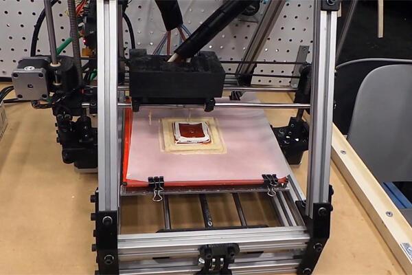 Mengolah Pizza dan Hamburger Lezat Dengan Printer 3D