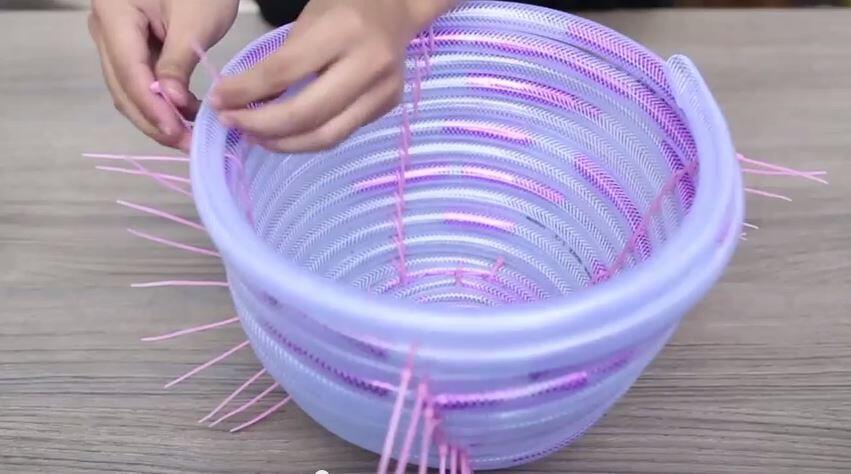[Handcraft] Cara Membuat Keranjang sederhana Dari Selang
