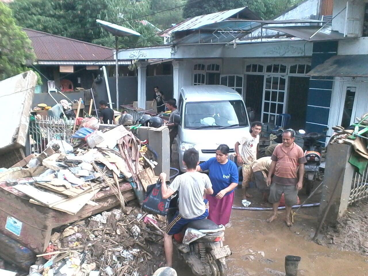 (pict)Kejadian Banjir Bandang Manado dan Pasca Banjir