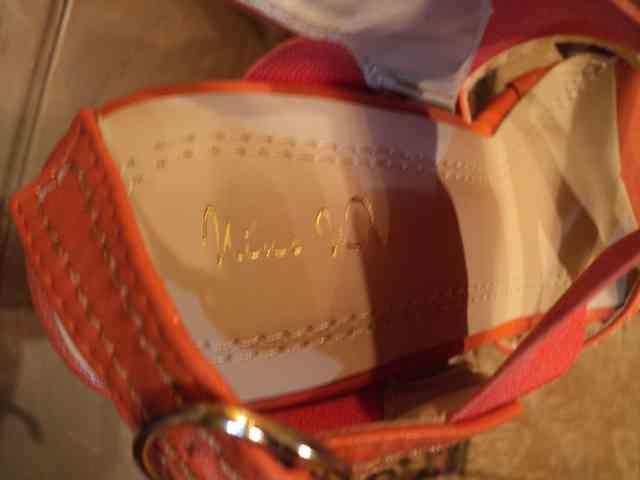 Sepatu Guess Original like NEW!! with crazy price!!