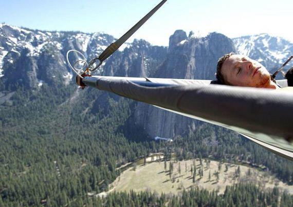 """"""" Cliff Camping """", hanya untuk pemberani yang punya nyali,!"""