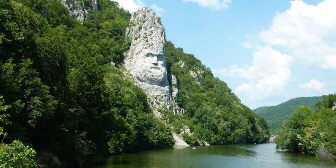 10 Patung Kolosal Paling Menakjubkan Dunia