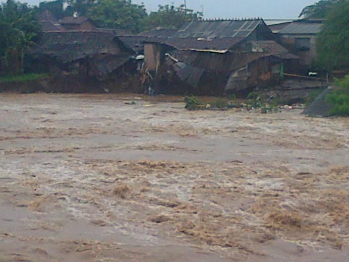 ۩۞۩ [Penggalangan Dana] Donasi Untuk Korban Banjir Dan Tanah Longsor Kudus ۩۞۩