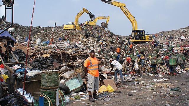 [REPOST] Kisah Tukang Bersihin Sampah Indonesia di Stasiun Televisi Inggris