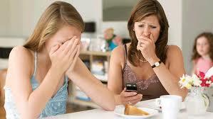 Bahaya Di balik Status Jejaring Sosial Facebook