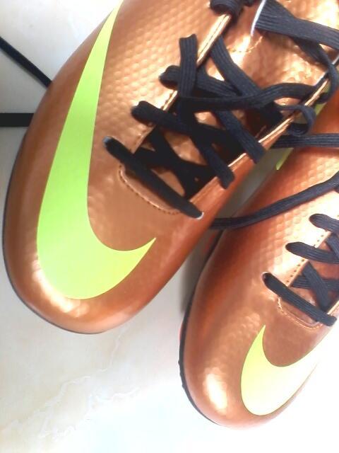WTS Nike Mercurial sz 40 Football